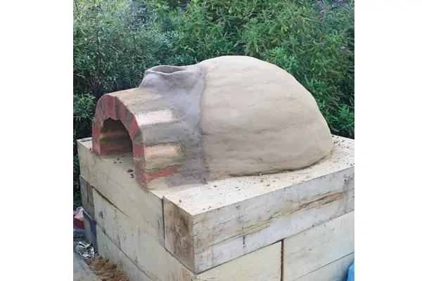 Constructia unui cuptor de pizza acasa