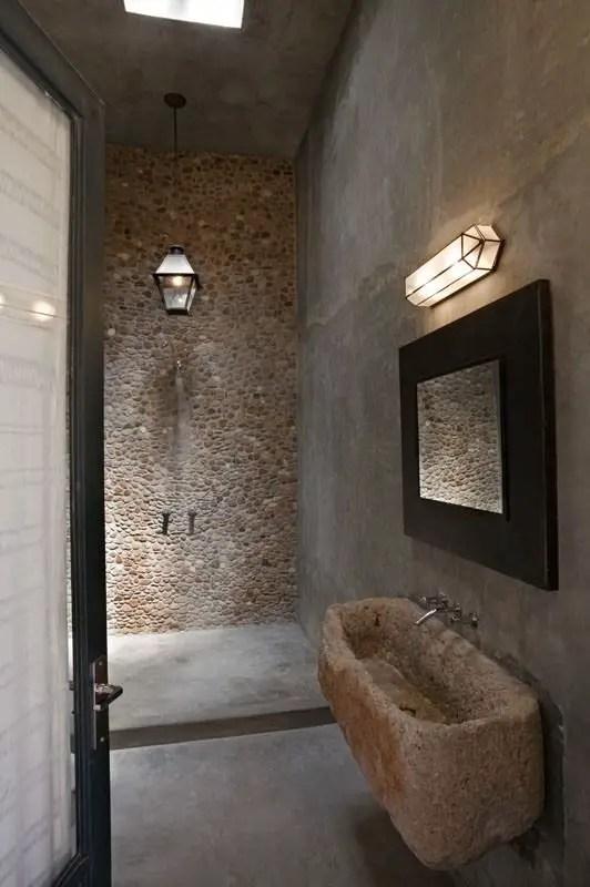 bai decorate cu piatra stone bathroom ideas 11