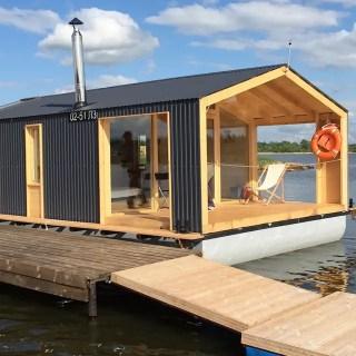 Casa modulara plutitoare din Rusia