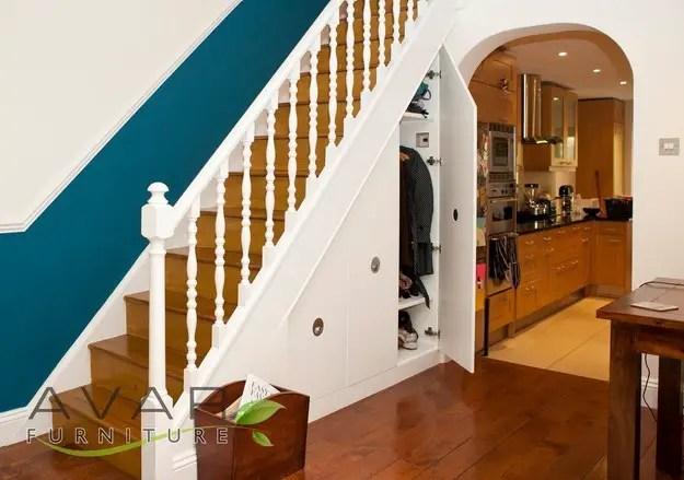 utilizarea spatiului de sub scari under stairs storage ideas