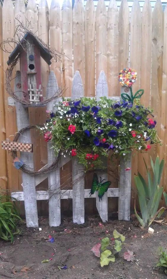 decoratiuni de gradina din lemn Wooden garden ornaments