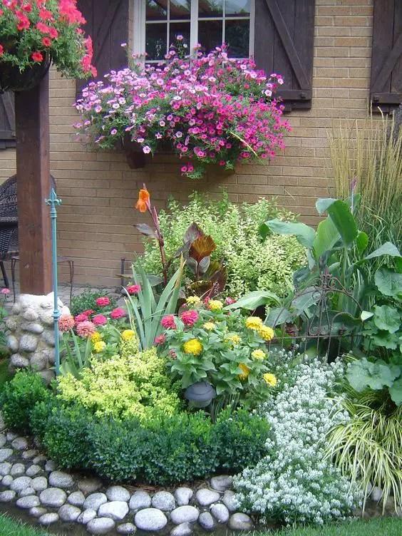 aranjamente de gradina cu pietre si flori Stone and flower garden design ideas 16