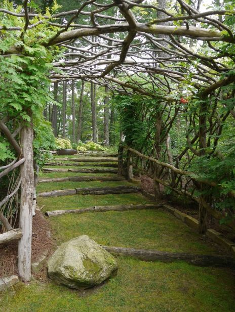 15 Superb Mountain Garden Landscaping Ideas on Mountain Backyard Ideas id=46612
