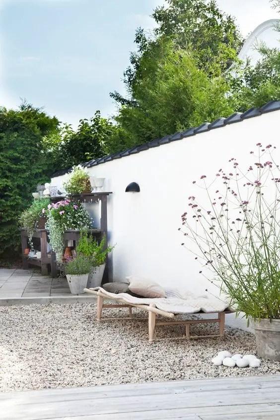 amenajarea gradinii cu pietris Pebble garden decoration ideas 24