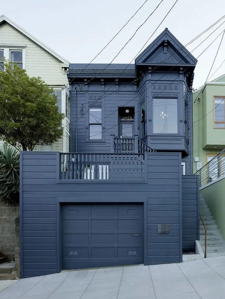 Casa in stil victorian - vedere din fata si din spate