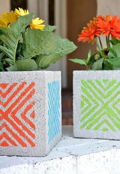 amenajari de gradina cu boltari Cinder block garden uses 9
