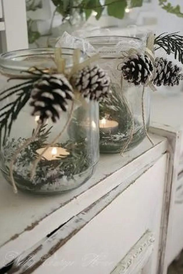 decoratiuni de iarna din conuri de brad lumanari