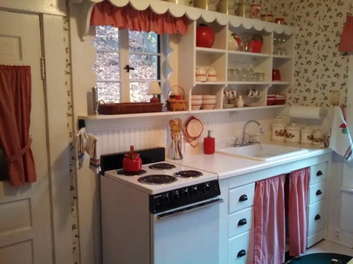 proiecte de case mici si cochete 3 bucatarie