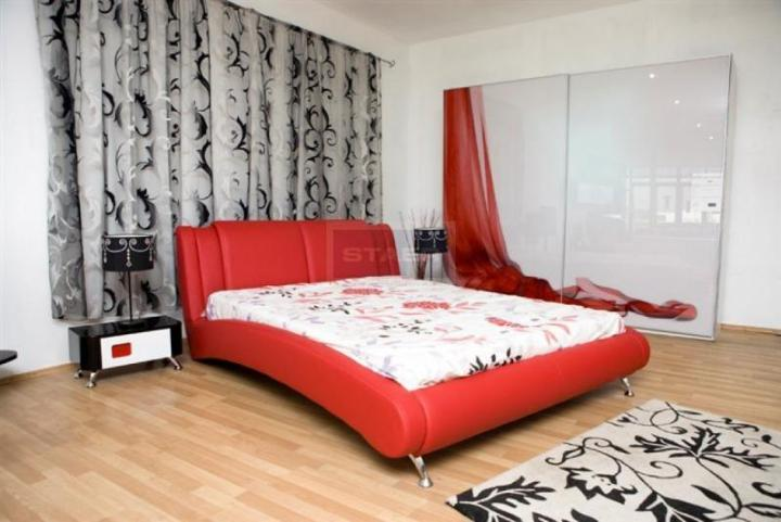 dormitor-rosu-3