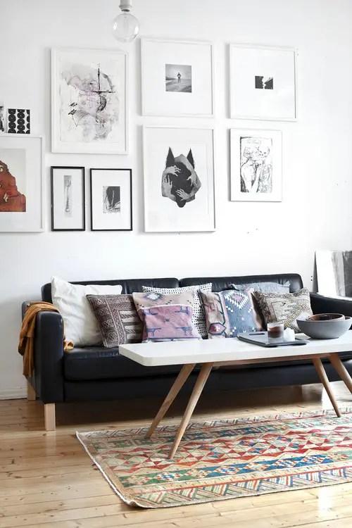 casa in stil scandinav living in culori alb negru