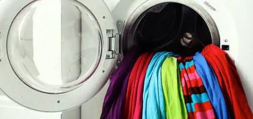 cum protejam culorile cand spalam hainele