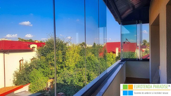 inchiderea balconului cu geamuri glisante