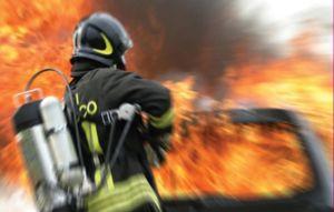 1445341750-vigili-fuoco-incendio