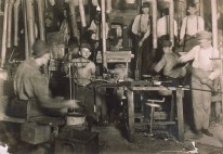 Citizen's Glass Co., Evansville, Indiana, #193 by Lewis Hine
