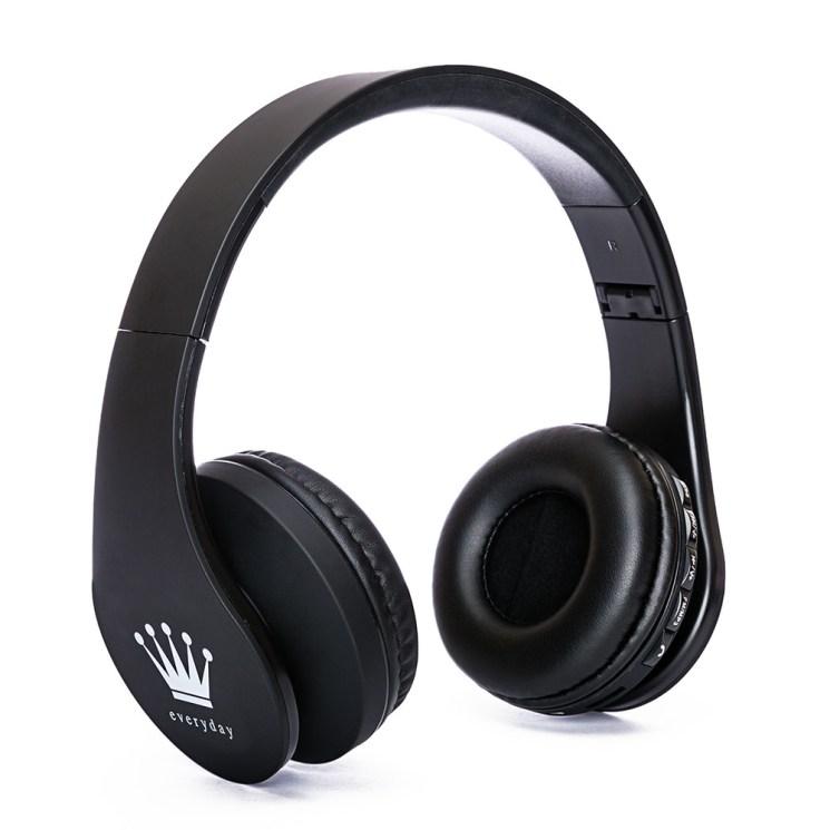 Headphone white backdrop photographer encinitas