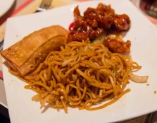 Scarborough Dishcrawl II — L's Chinese Eatery — Hakka Chow Mein with Chicken and a Homemade Egg Roll