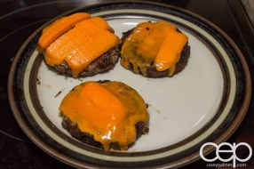 #DIYSandwich — Quick and Easy Summer Burger — Cooked Burgers