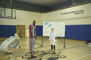 Swiffer Man Clean — Amir hits the hardwood with his Man Clean coach