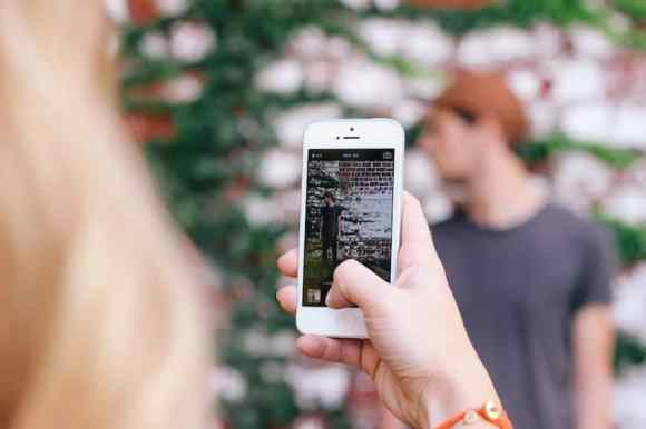 #TogetherBetterHappiness—How Public Mobile's Changing the Wireless Game—Taking a Snapshot