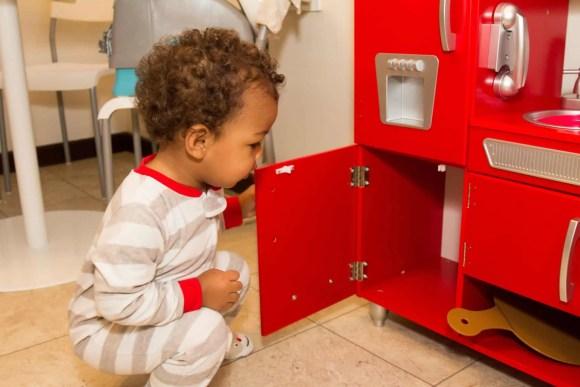 The Week That Was... November 8th - 14th, 2015 — KidKraft Retro Kitchen — Little Man Takes His First Peek