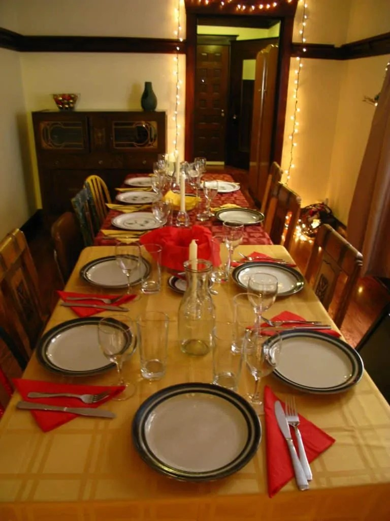 Febreze's 12 Stinks of Christmas — Keep Fresh for the Holidays! — The Christmas Dinner Table at Casa de Palmer