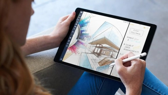 What's Up With Apple? A Look at What Goes on BEHIND the Screens!—iPad Pro—iOS 11—Multi-tasking