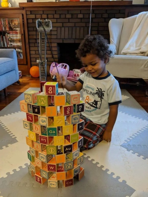 Why My Next Phone HAD to be a Pixel 2 XL — a Casey Palmer x TELUS Joint — Playing With Blocks at Home