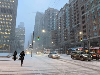 Why My Next Phone HAD to be a Pixel 2 XL — a Casey Palmer x TELUS Joint — Snowy Day on Bay Street