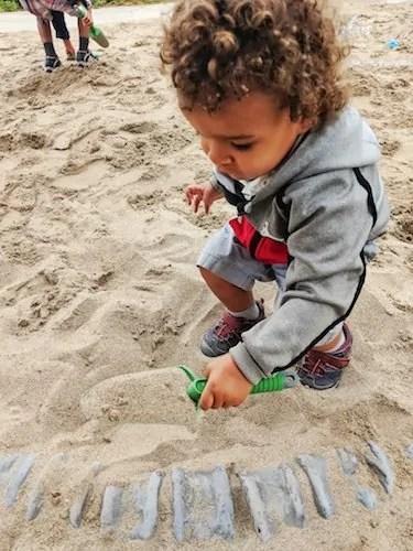 Make GREAT Plans at Canada's Wonderland — Digging for Dinosaur Bones