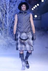 Moncler+Gamme+Bleu+Runway+Milan+Fashion+Week+lyVCfMu-ZQMx