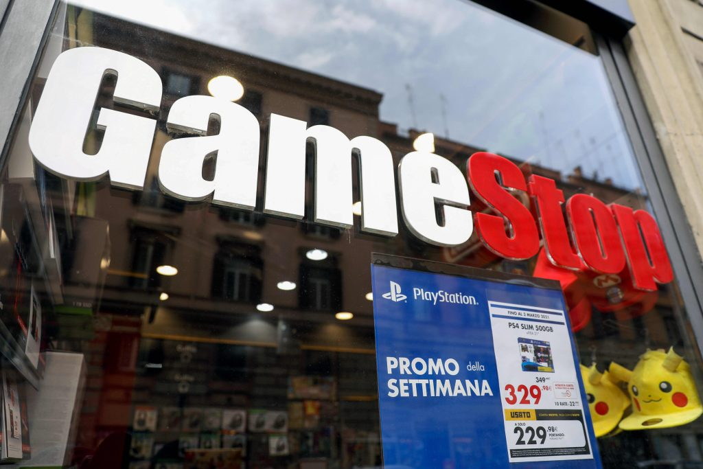 106832257 1611922884131 gettyimages 1230837764 ITALY GAMESTOP scaled