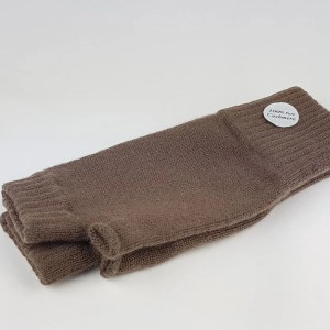 cashmere wrist warmers in koala brown - cashmereglovesandscarves.co.uk