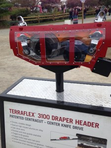 This display explains the knife drive on the new CIH flex draper header.