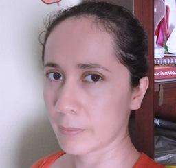 Vivian Mayén_ Perfil Casi literal