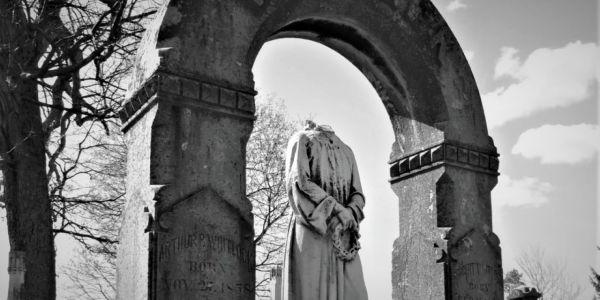 Monumentemicidio_ Casi literal