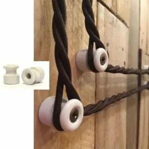 In questa sezione troverai degli accessori in porcellana e cavi intrecciati vintage per dare un tocco unico ai tuoi impianti elettrici. Impianto Elettrico A Vista Quali Soluzioni Per Un Design Moderno Casina Mia