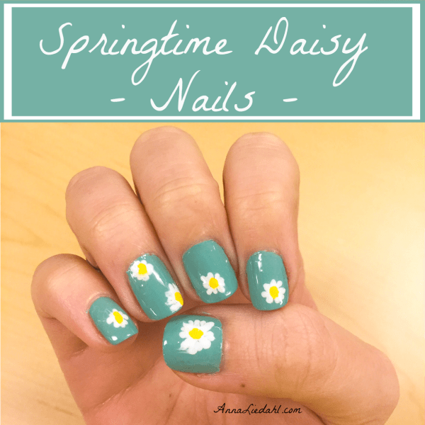 Springtime Daisy Nails