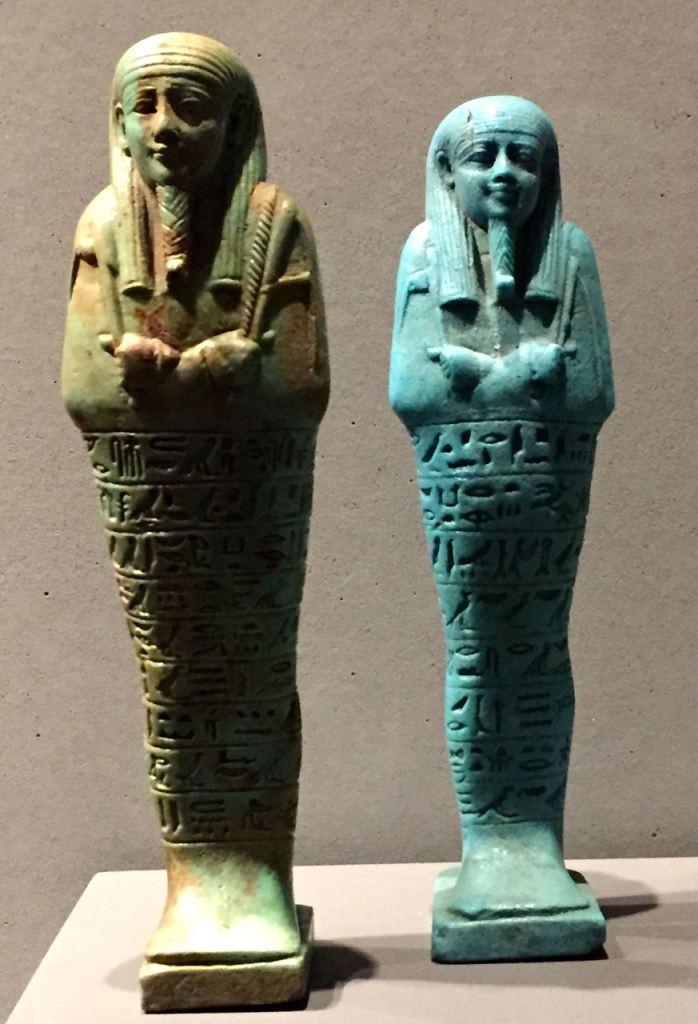 2 Statuen