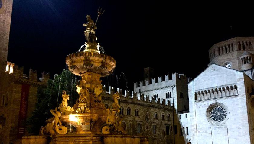 Trento_Neptunbrunnen_Nacht