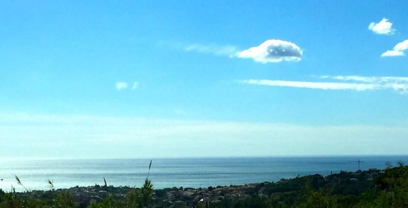 Blick auf Alella und Meer