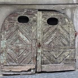 Tor mit Gesichtszügen (© casowi)