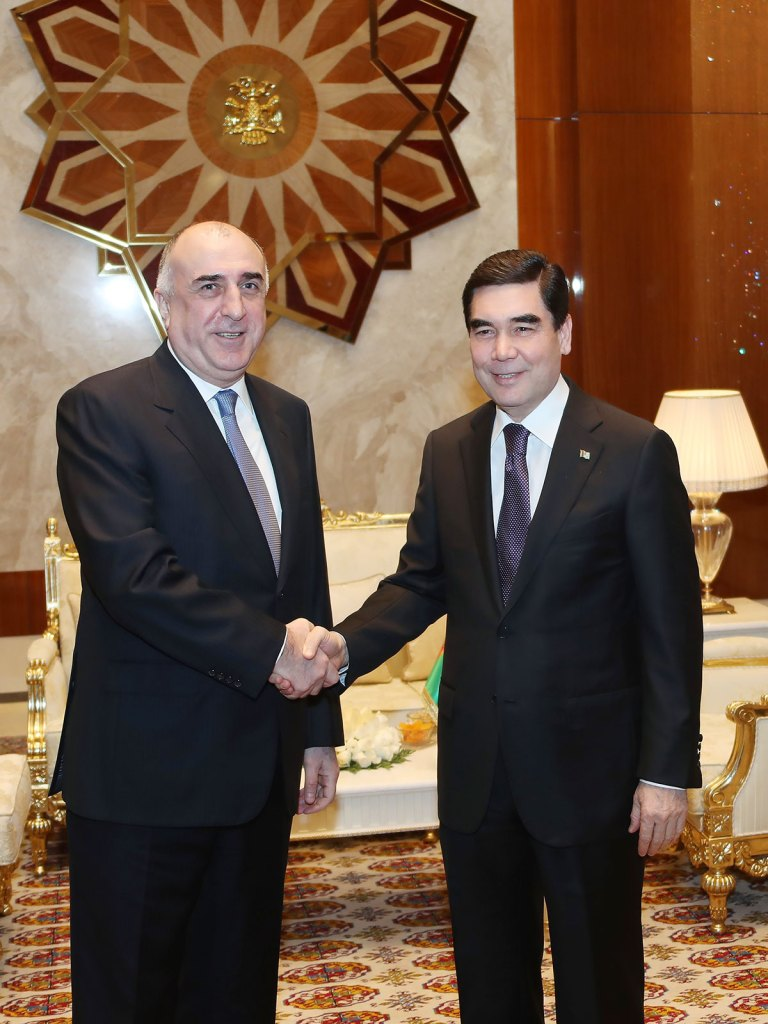 Туркменистан и Азербайджан выступают за создание многовариантной системы поставок энергоносителей на мировые рынки