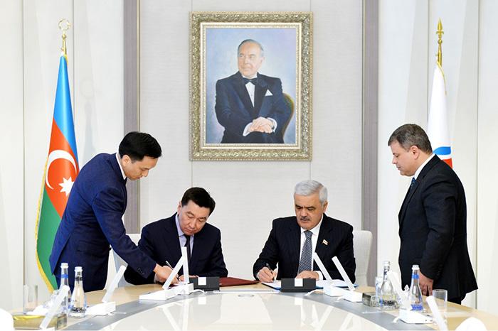 Казахстан и Азербайджан будут сотрудничать на Каспии