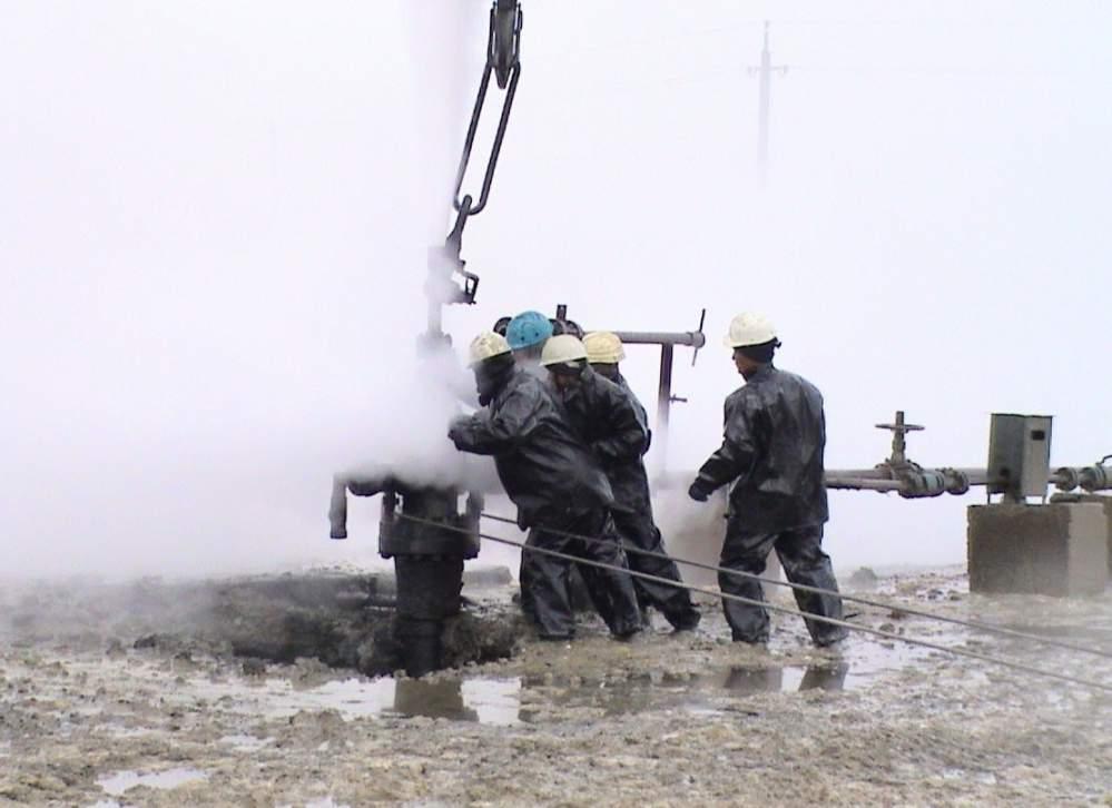На прикаспийском нефтяном месторождении произошла крупная авария