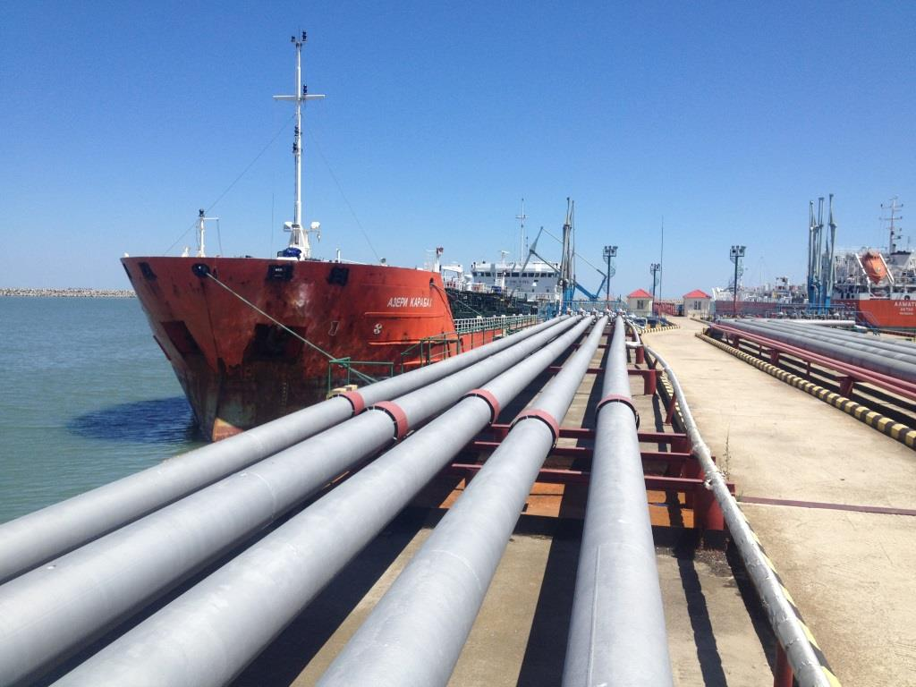 Объем перевалки грузов в порту Махачкалы вырос более чем на 150 процентов