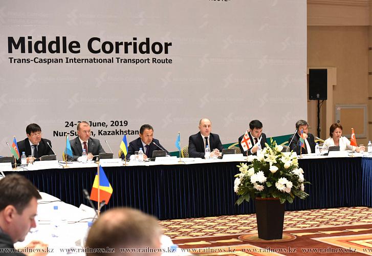 Обсуждено развитие транскаспийских транспортных коридоров
