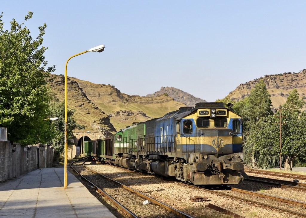 Иран выделит дополнительные средства на строительство железной дороги Чабахар-Захедан