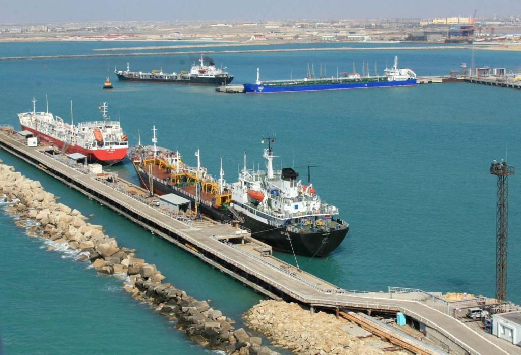 Морпорты Казахстана ограничили обслуживание судов из Азербайджана и Ирана