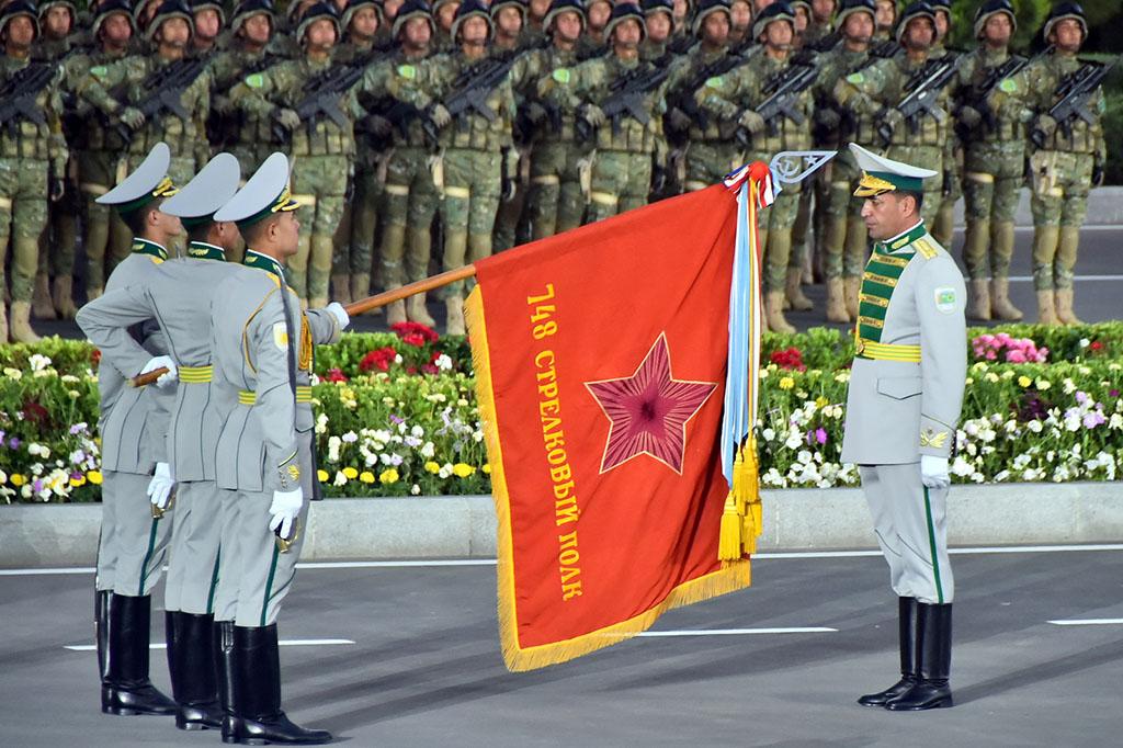 Туркменистан – единственный из прикаспийских стран провёл парад по случаю 75-летия Великой Победы