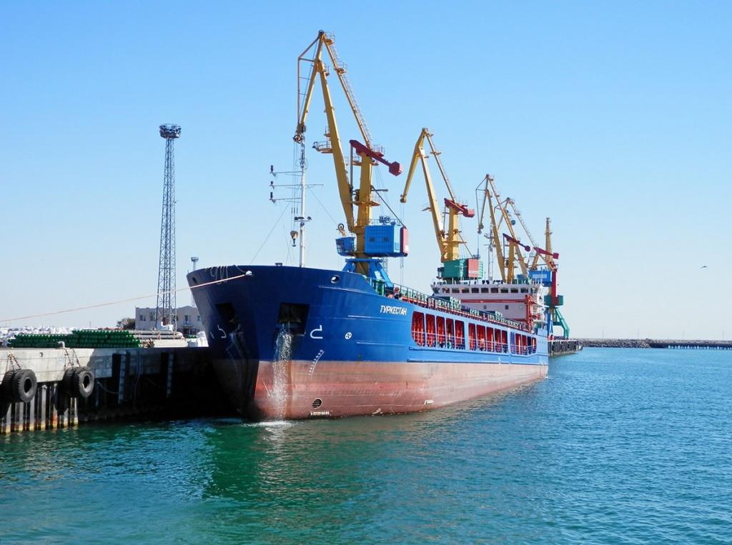 Морская транспортная лихорадка и показатели работы порта Актау